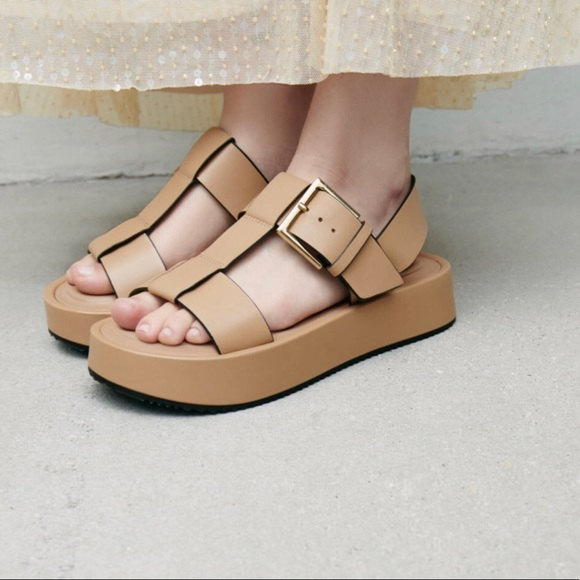 Zara Leather Platform Sandals in Beige Size 8 US